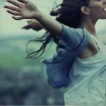 girl-nature-photography-freedom-joy-smile-wind